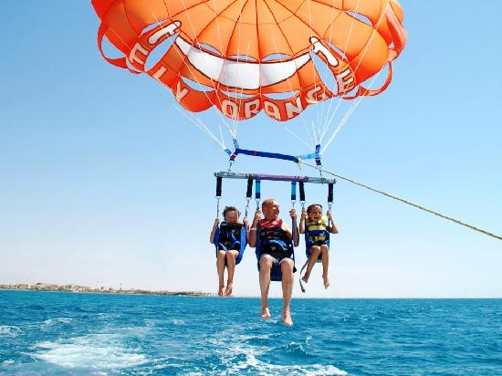 the-orange-concept-parasailing